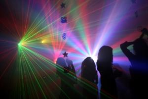 מסיבת רווקות במועדון